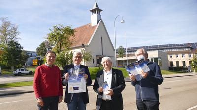von links Christoph Müller, Pfarrer Arno Knöbel, Paul Hochstuhl, Paul-Gerhard Leihenseder laden stellvertretend für ihre Gemeinden ein zur Nacht der offenen Kirchen