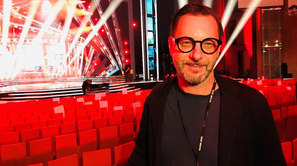 Florian Wieder hat das Bühnenbild für die Bambi-Verleihung entworfen. Der Designer hat schon für viele internationale Stars Bühnenbilder gestaltet.