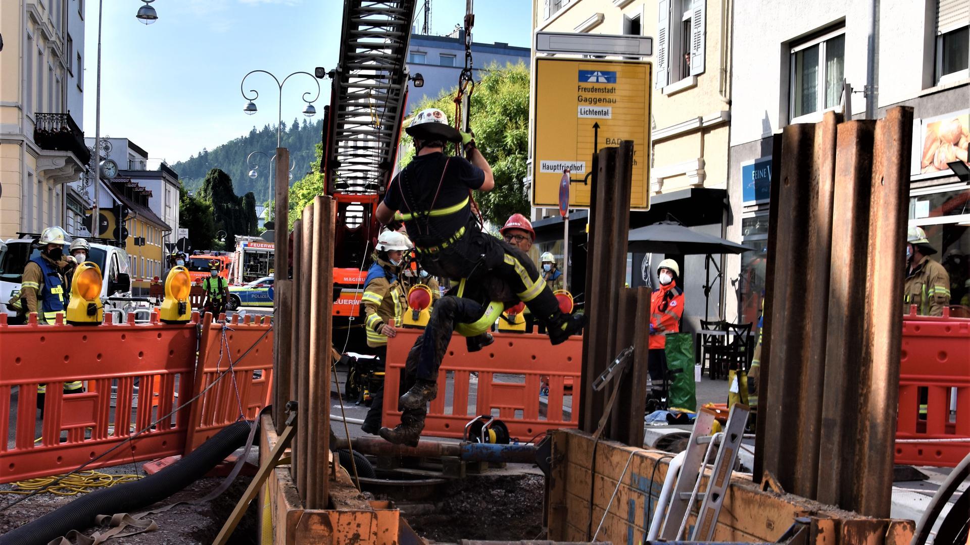 Bauunfall mit verschütteter Person in Baden-Baden