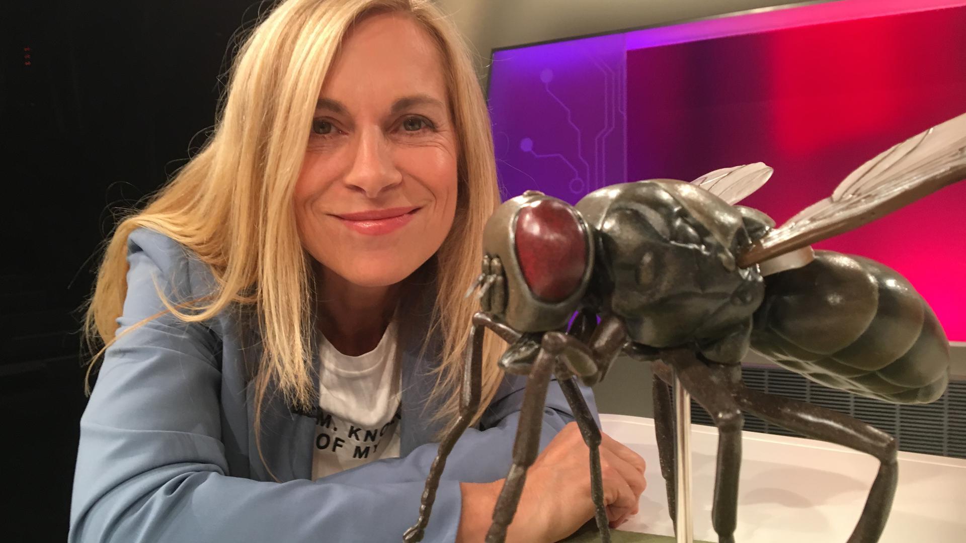 """In der Sendung """"Planet Wissen"""" geht Birgit Klaus einer großen Vielfalt an Themen auf den Grund."""