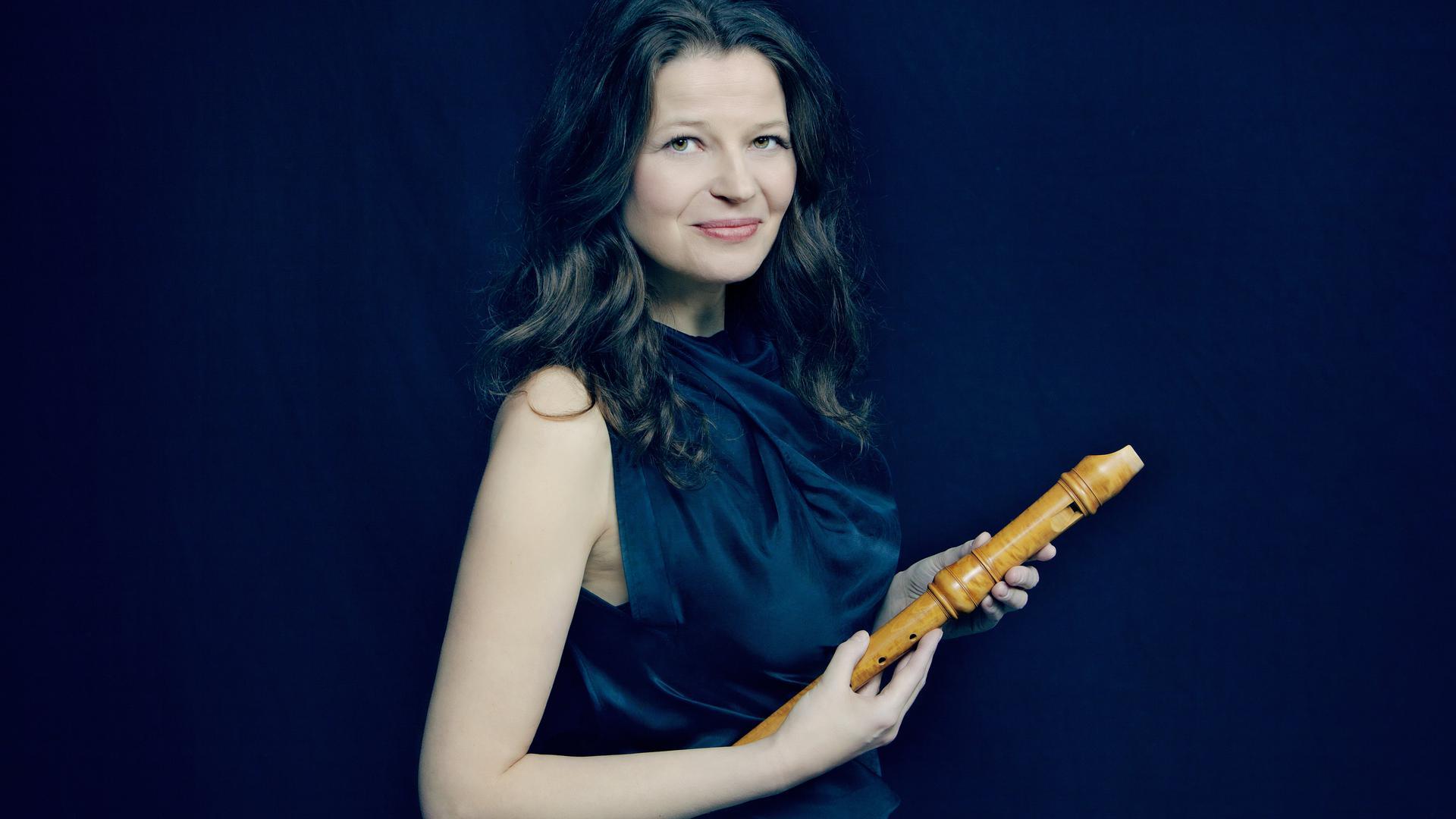 Von Barock bis Rock: Die Meisterblockflötistin Dorothee Oberlinger schlägt eine Brücke von Alter Musik zu zeitgenössischer Musik.