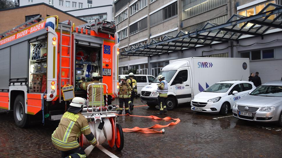 Einsatzort TV-Studio: Die Feuerwehr hatte die Lage beim SWR in Baden-Baden schnell im Griff.