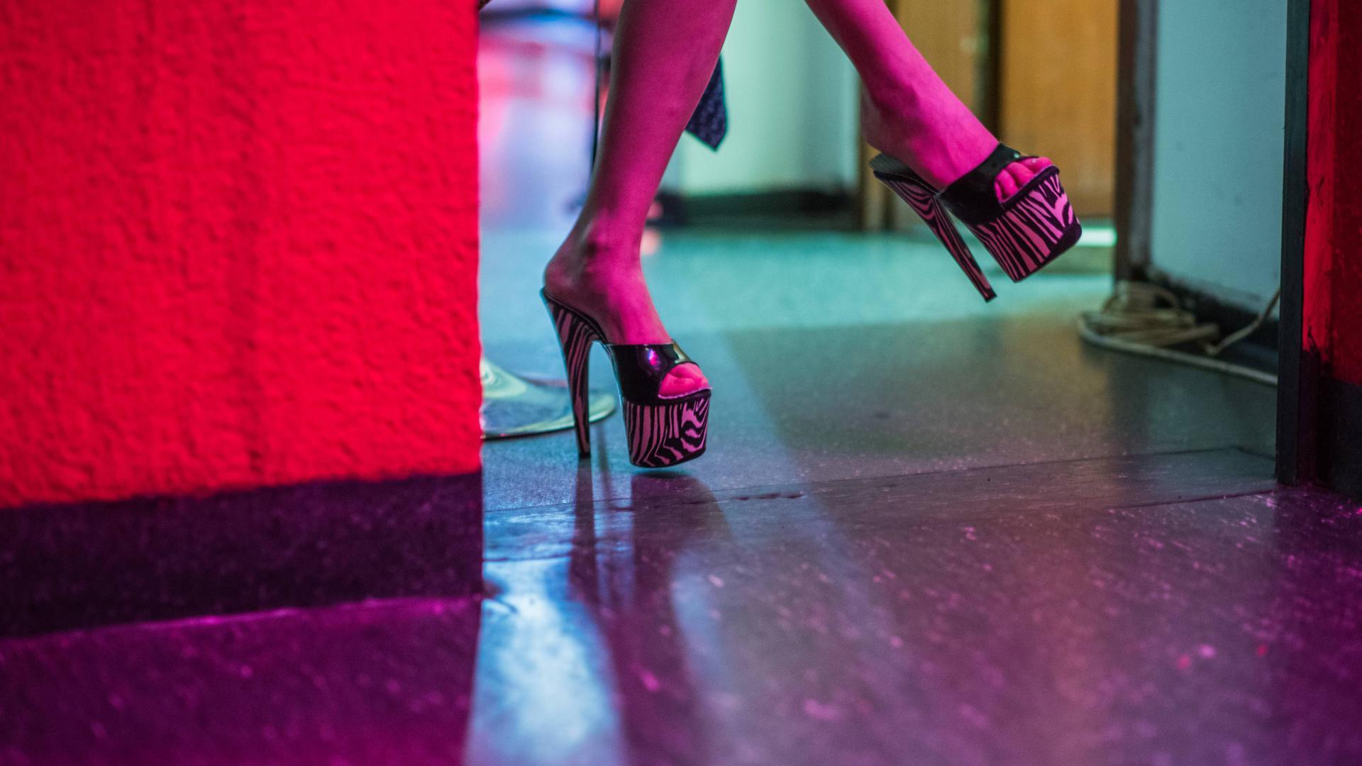Arbeiten im Rotlichtmilieu: Etwa 200 Menschen im Landkreis Rastatt und im Stadtkreis Baden-Baden verdienen ihr Geld mit Prostitution.