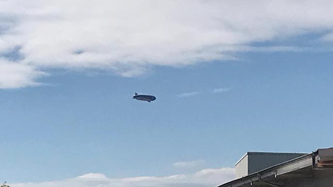 In etwas weiterer Entfernung flog der Zeppelin bei Géraldine König in Malsch vorbei.