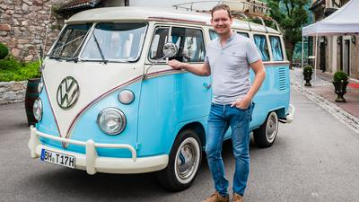 Benjamin Pühse hat sich mit seinem VW Bus T1 einen Jungentraum erfüllt