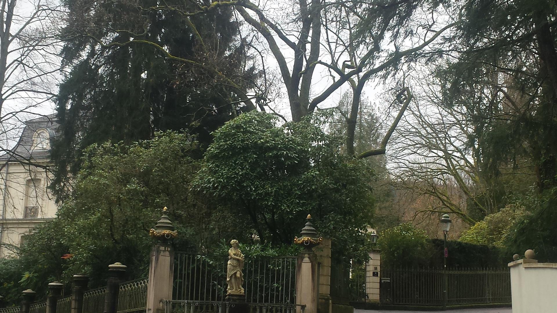 Villa Winterhalter Baden-Baden mit Garten ursprünglich von Fürst Pückler geplant, heutiger Zustand,