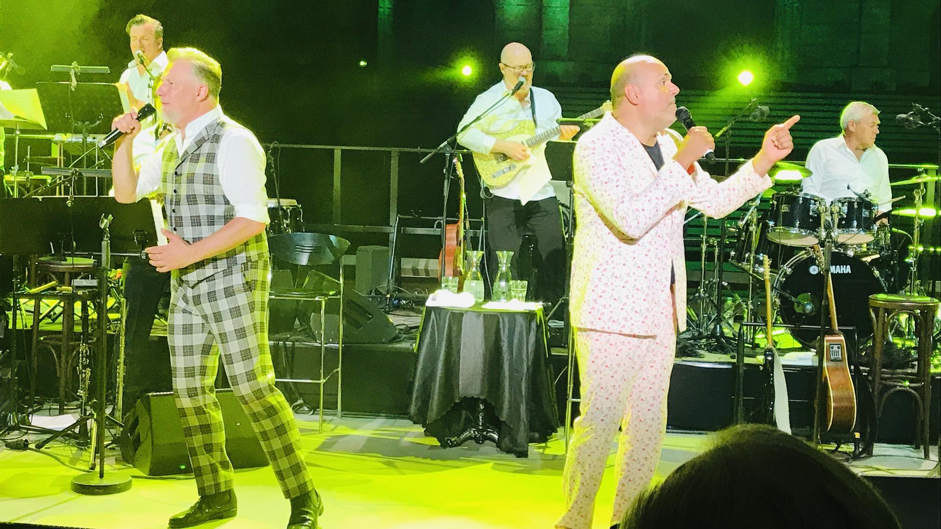 Wollen künftig getrennte Wege gehen: Marc Marshall (links) und sein Gesangspartner Jay Alexander, die als Marshall & Alexander gemeinsam Karriere machten. Im nächsten Jahr soll es eine Abschiedstournee geben.