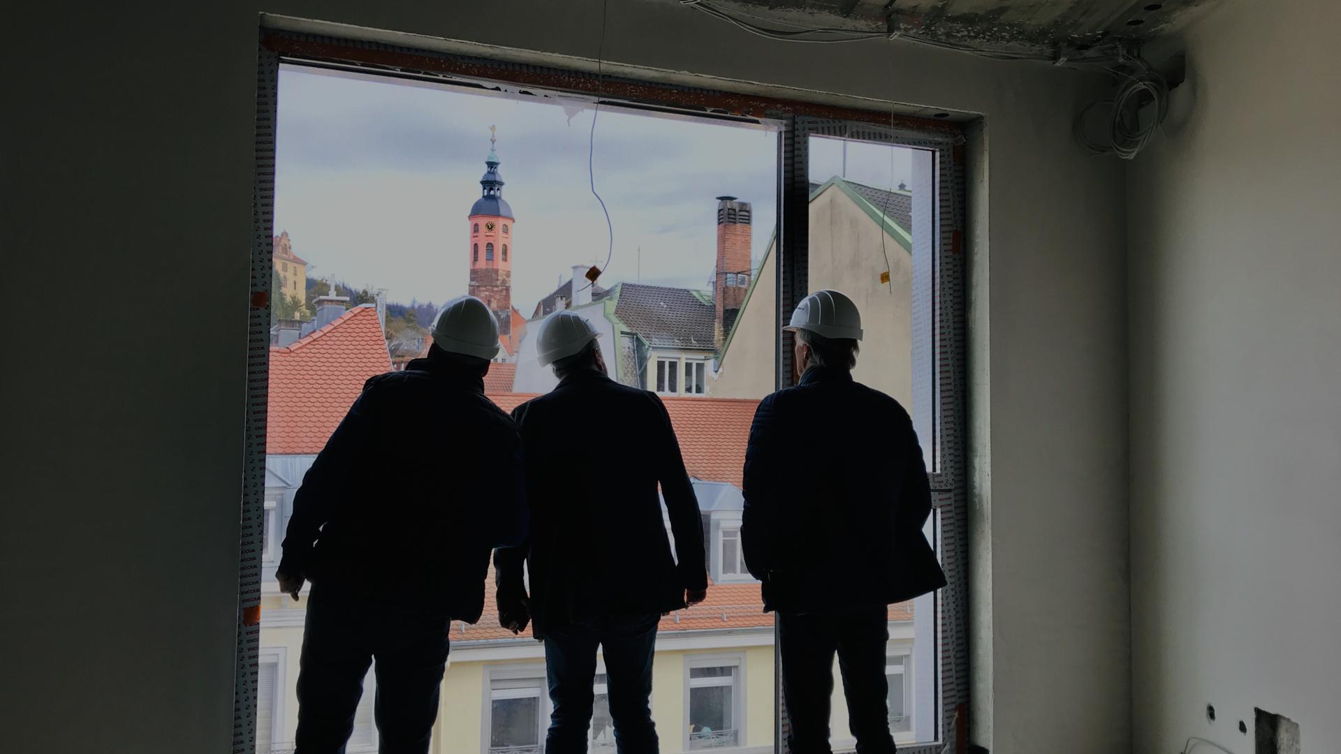 Imposanter Ausblick aus einem künftigen Hotelzimmer im Neubau Luisenflügel des Europäischen Hofs in Baden-Baden. Derzeit ruhen jedoch die Bauarbeiten, weil ein neuer Investor gesucht wird.