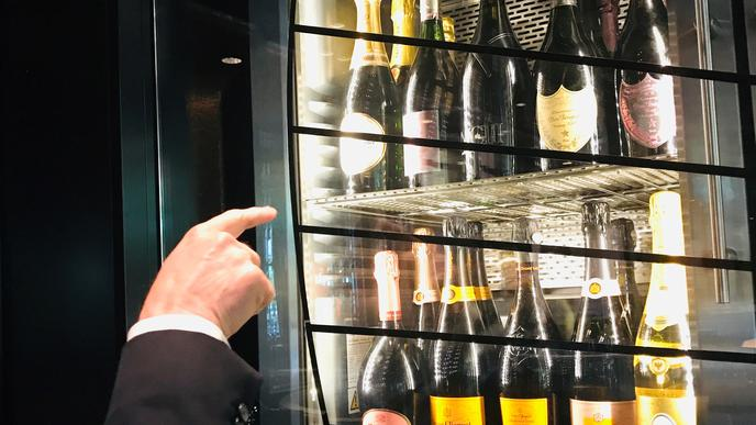 Champagne ist der beliebteste Aperitif im Casino. Klar, dass alle gängigen Marken vorrätig sind.