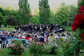 Rosenkonzerte mit der früheren Kapellmeisterin Judith Kubitz am Dirigentenpult