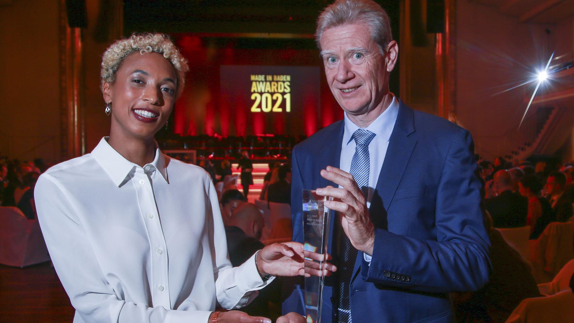 Die Laudatio auf Olympiasiegerin Malaika Mihambo hielt der Direktor des Karlsruher Indoor-Meetings, Alain Blondel.