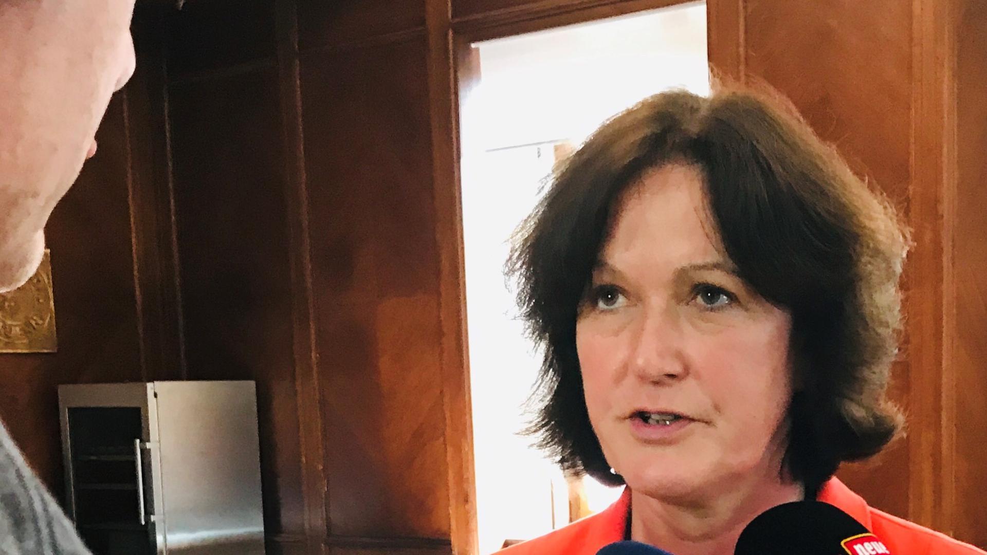 Ist nach dem Motorradunfall wieder im Dienst: Baden-Badens Oberbürgermeisterin Margret Mergen.
