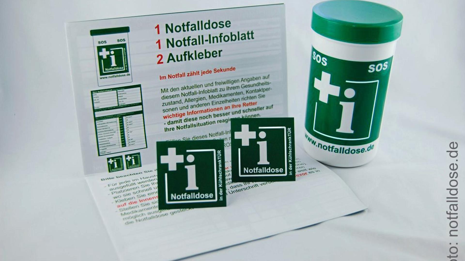 Kann im Notfall Leben retten: Die grün- oder rot-weiße Notfalldose.