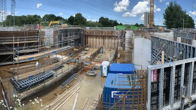 Riesige Baustelle: Rund 20,5 Millionen Euro kostet die Erweiterung der Gemeinschaftskläranlage Baden-Baden/Sinzheim um die vierte Reinigungsstufe. Die Inbetriebnahme soll im Dezember 2022 erfolgen.