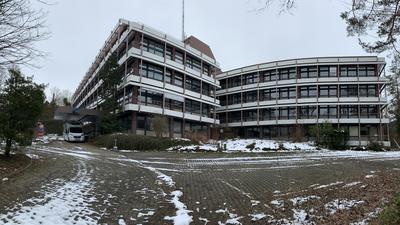 Das ehemalige Technik-Gebäude des Südwestrundfunks in der Moltkestraße 15 wird abgebrochen. An seine Stelle treten vier Punktvillen in prominenter Lage.
