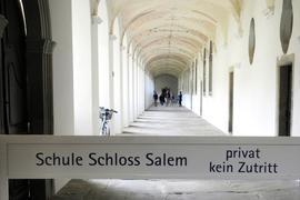 """Die ehemalige Zisterzienserabtei Salem zählt zu den bedeutendsten Kulturdenkmäler der Bodenseeregion. 1920 richteten dort Prinz Max von Baden und Kurt Hahn das weltweit renommierte Internat """"Schule Schloss Salem"""" ein."""