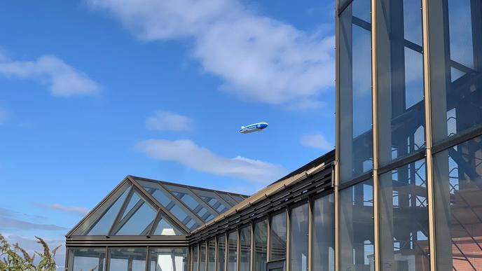 Eine schöne Ansicht vom Zeppelin schoss Tim im Karlsruher Stadtteil Grünwinkel.