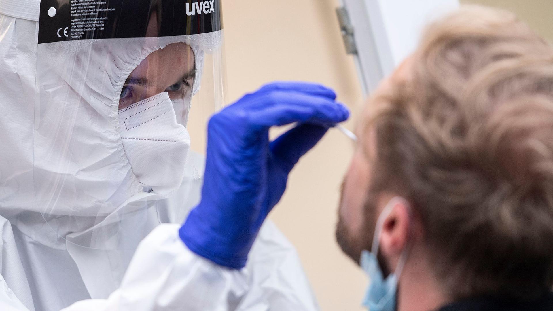 Robert Koch-Institut:Neuer Rekordwert der Corona-Neuinfektionen in Deutschland.