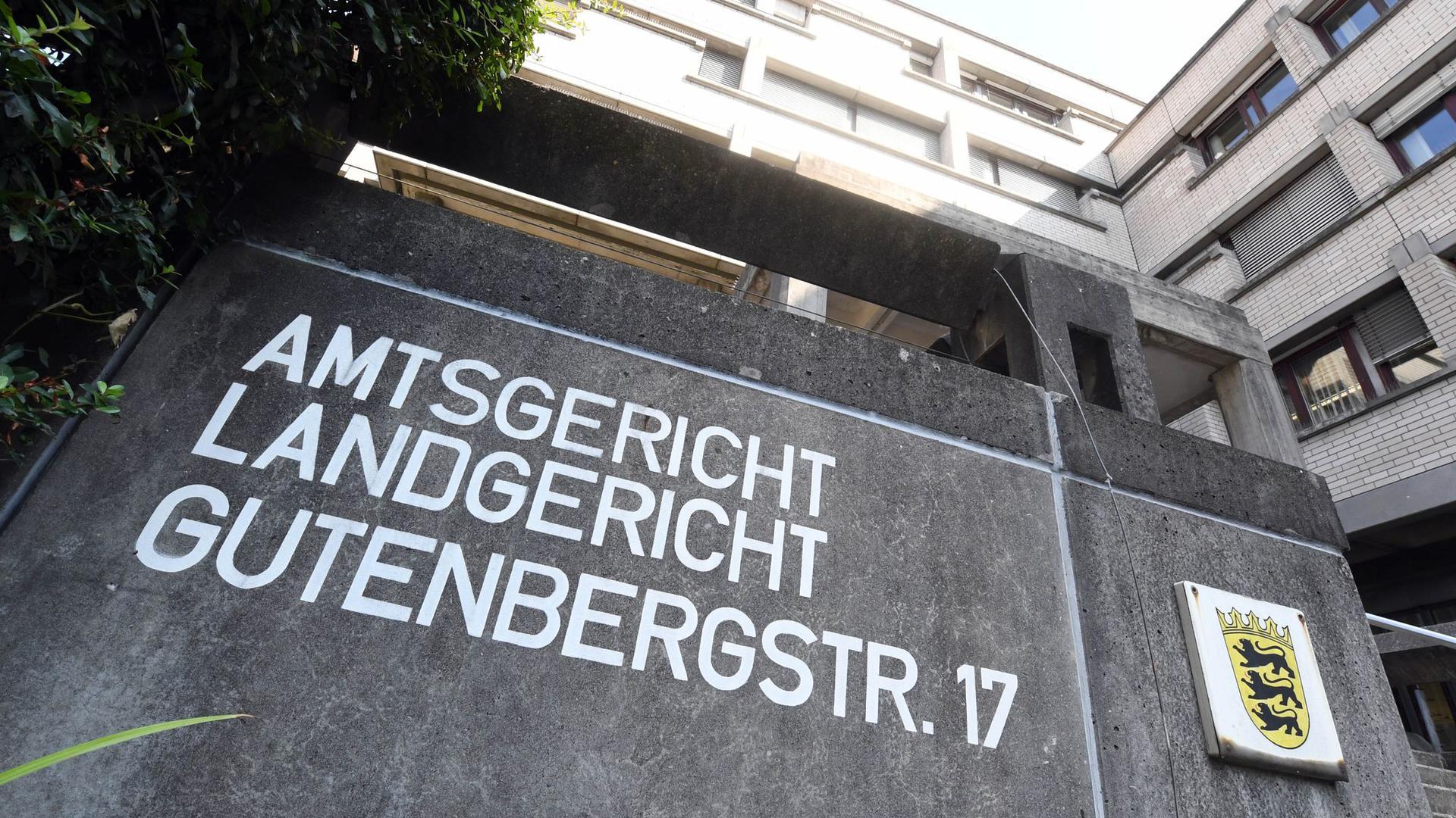 Außenaufnahme des Landgerichts Baden-Baden.