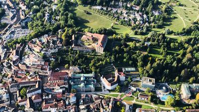 Im Dornröschenschlaf: das Neue Schloss in Baden-Baden. Im ehemaligen Stammsitz der badischen Markgrafen war ein Luxushotel geplant.