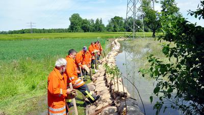 Feuerwehr, Hochwasser-Sandsack-Barriere