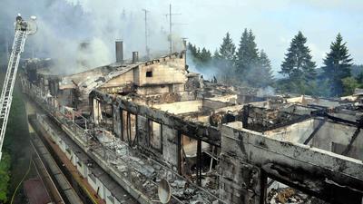 Gebäude der ehemaligen Kurklinik Berghof in Brand