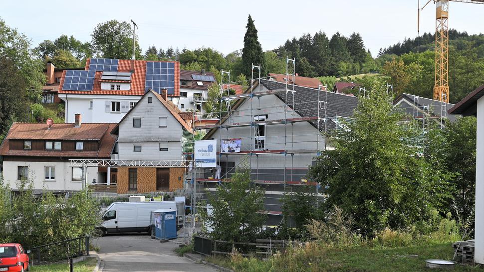 Im Schlosswinkel errichtet ein privater Investor aktuell ebenfalls Neubauten.