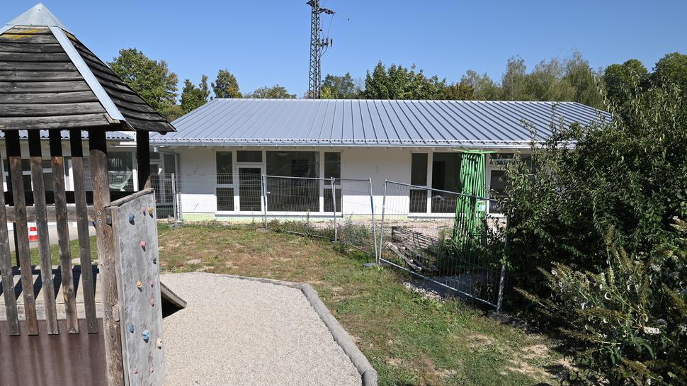 Der Erweiterungsbau des Kinderhauses Sonnenschein wird im Oktober seiner Bestimmung übergeben. Die letzten Arbeiten laufen.