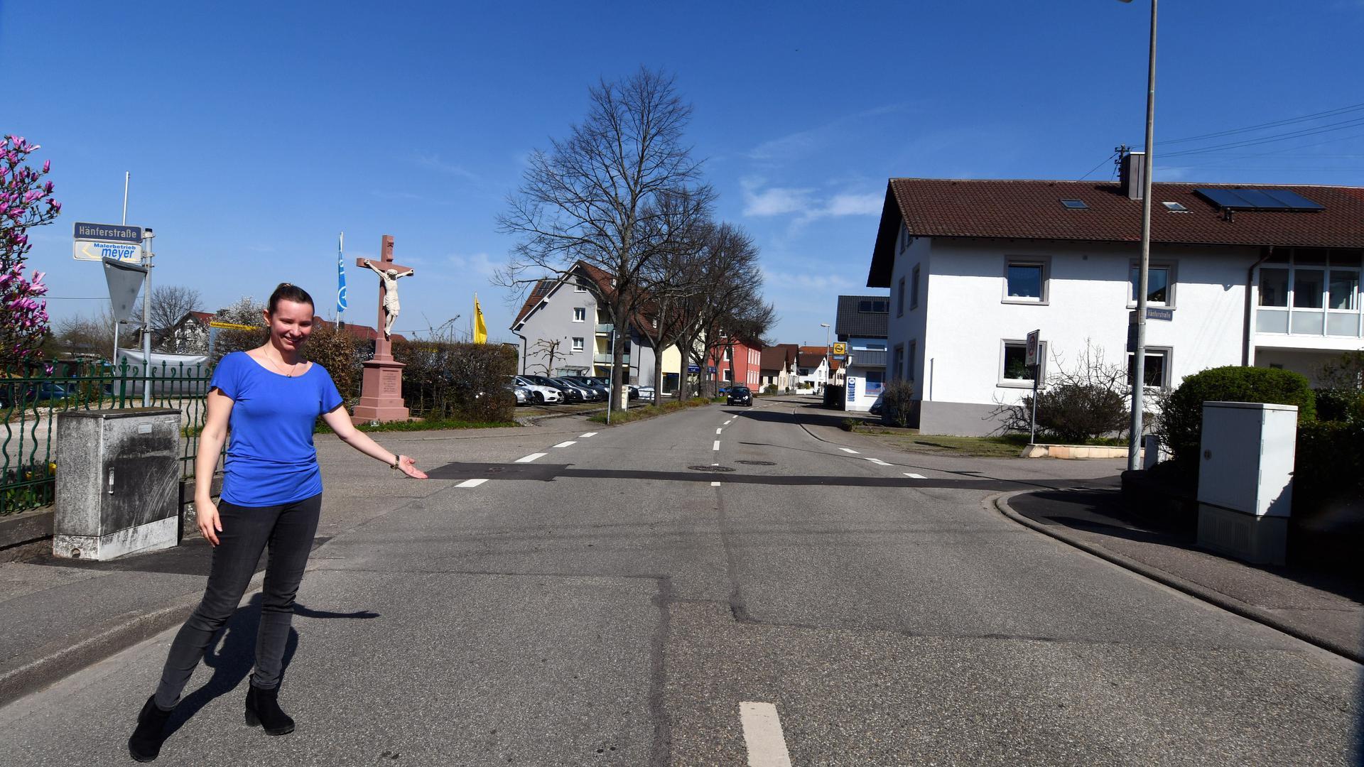 Fordert einen Zebrastreifen: Doreen Oser hat in Steinbach eine Unterschriftenaktion gestartet.