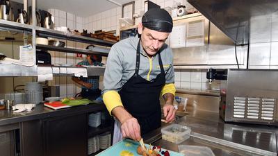 Fachkräfte in Aktion: Die Gastronomen wollten untereinander Mitarbeiter austauschen, wenn Kurzarbeit notwendig ist.