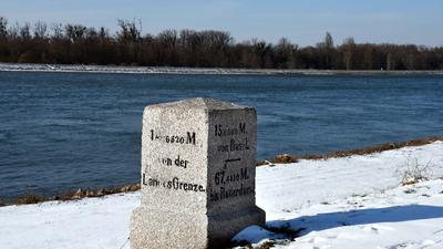 Myriameterstein - Rheinvermessung - 1863 - Lichtenau-Grauelsbaum - Stein 15