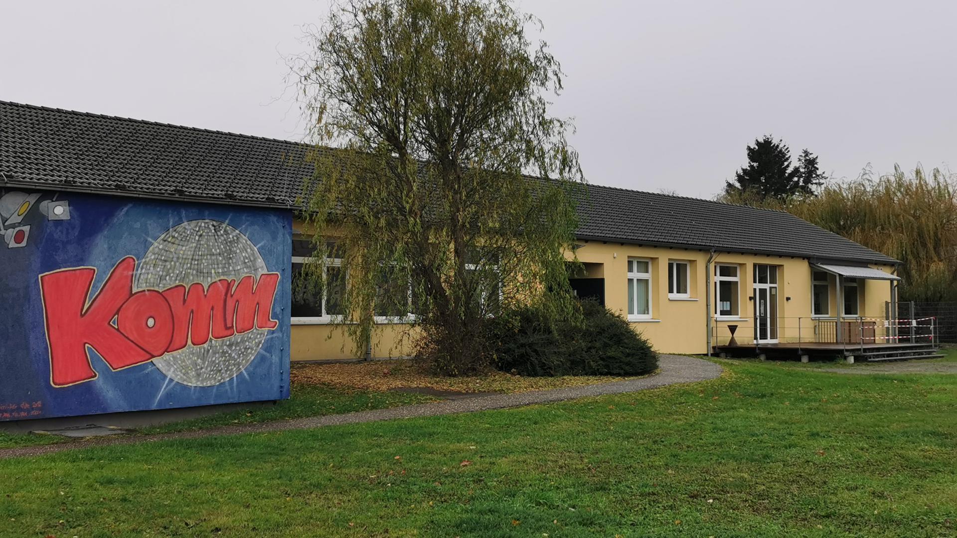 Frontansicht des Jugend- und Kommunikationszentrums in Bühl