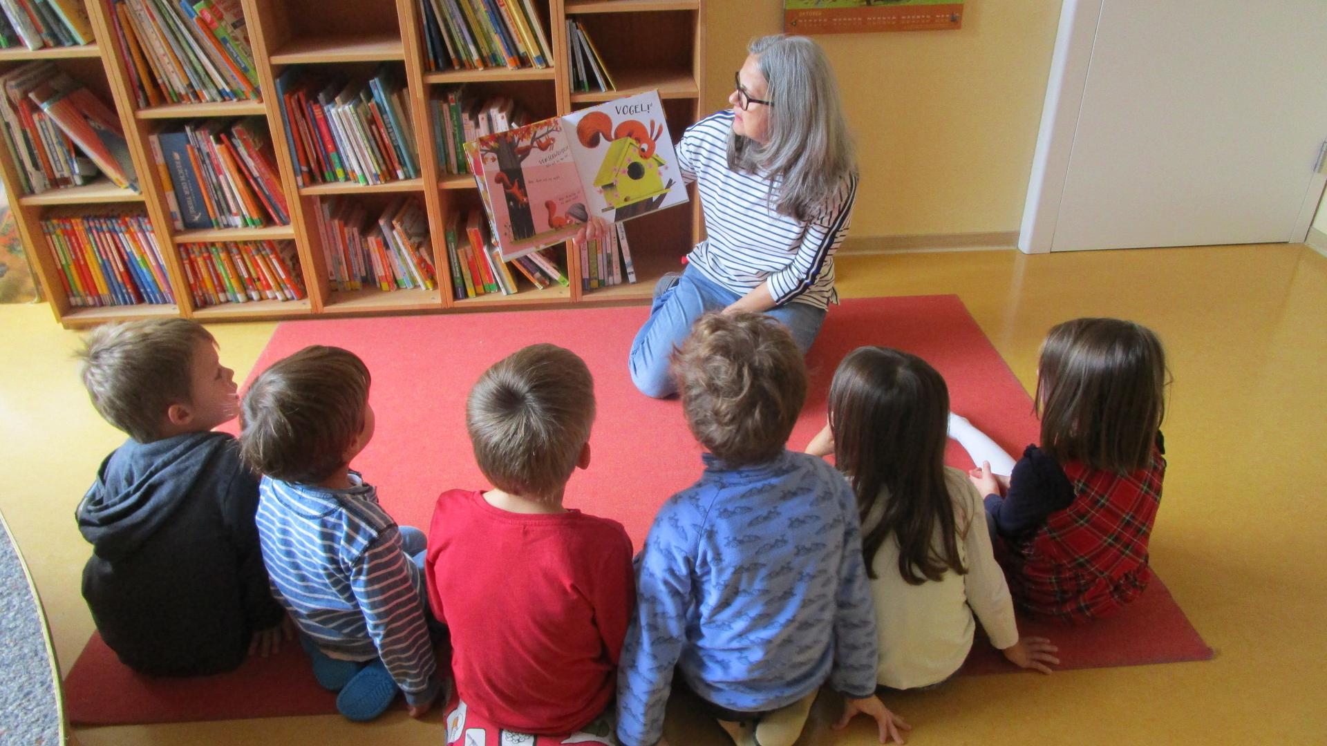 Vorlesestunde: Birgit Kronberg im Kindergarten der evangelischen Johannesgemeinde in Bühl.