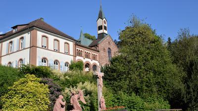 Baudenkmal mit Zukunft: Das neuromanische Josef-Bäder-Haus des Klosters Neusatzeck soll zum Pflegehotel werden