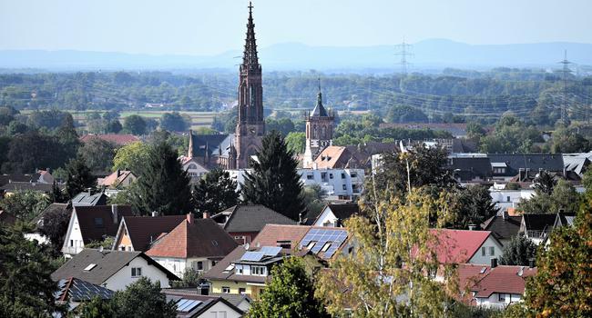 Pfarrkirche und Rathaus Bühl