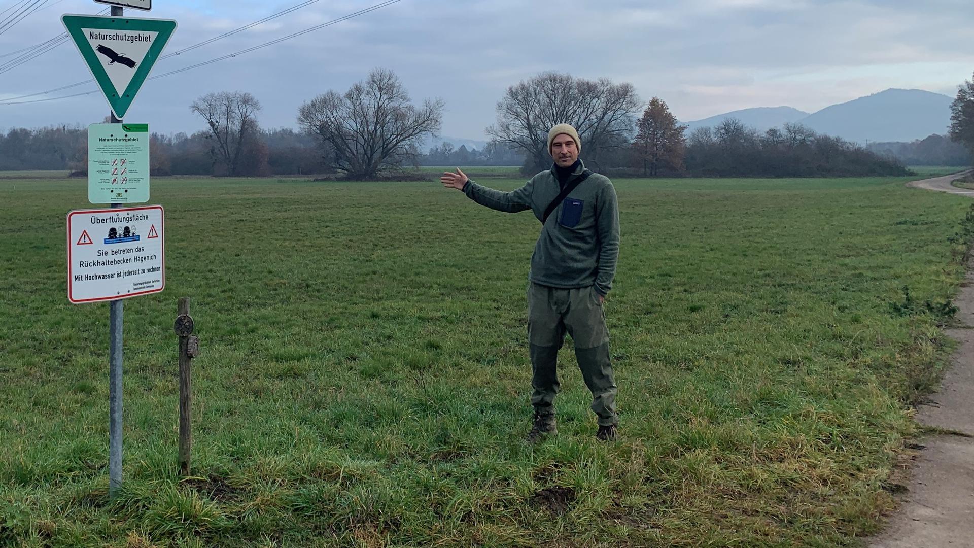 Mann in Landschaft