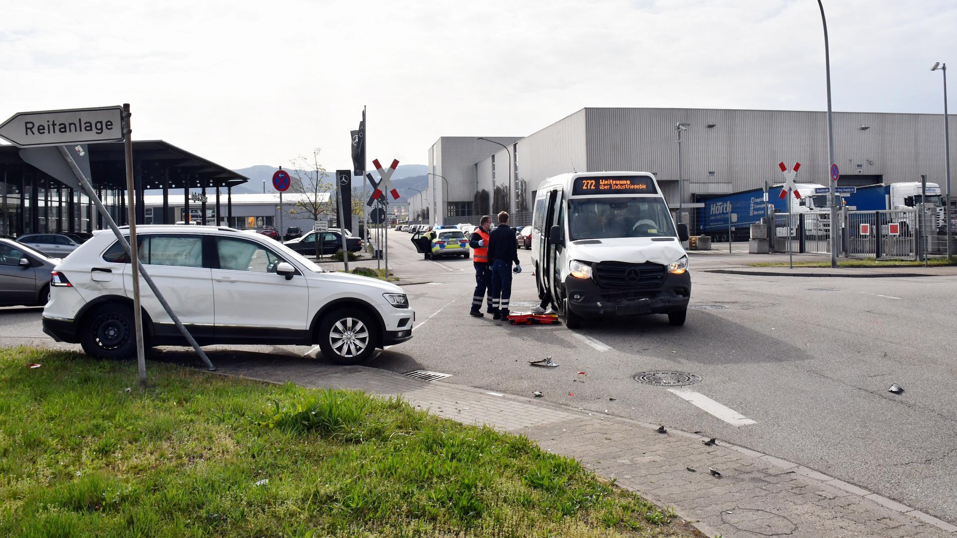 Unfall Bühl  im Kreuzungsbereich Dieselstraáe/Dr. Georg-Schaeffler-Straße