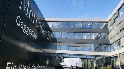 Sorgen um die Zukunft: Die Themen Kurzarbeit und Lohneinbußen beschäftigen laut einer Umfrage die Mitglieder der IG Metall sehr. Unser Foto zeigt das Verwaltungsgebäude des Mercedes-Benz-Werks Gaggenau.