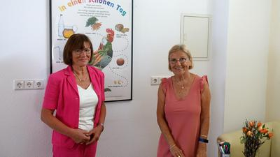 Ernährung im Fokus: Barbara Kientz-Herb und Barbara Bjarnason (rechts) bringen den Bühlern seit 25 Jahren bei, wie man gesund und richtig isst. Foto: