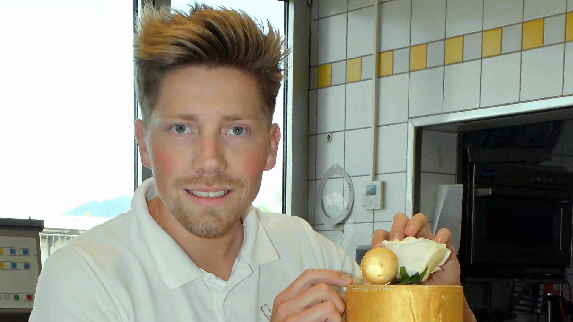 """Der junge Konditormeister Fabian Böckeler tritt bei der TV-Show """"Das große Backen"""" an."""