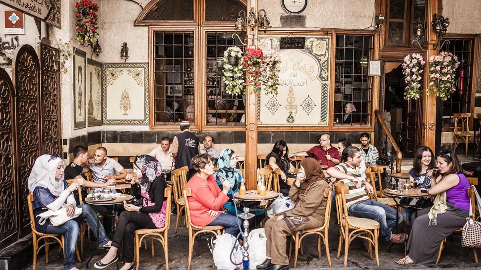 Asien, Syrien, Damaskus: Café Noufara, beruehmtes Café in der Altstadt. Hier hat viele Jahre der Geschichtenerzaehler Abu Schadi vorgelesen.