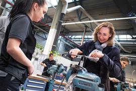 Daimler Vorstand Renata Jungo Brüngger, Mitglied des Vorstands der Daimler AG und Mercedes-Benz AG verantwortlich für Integrität und Recht, begrüßt neue Auszubildende und duale Studenten im Mercedes-Benz Werk Gaggenau