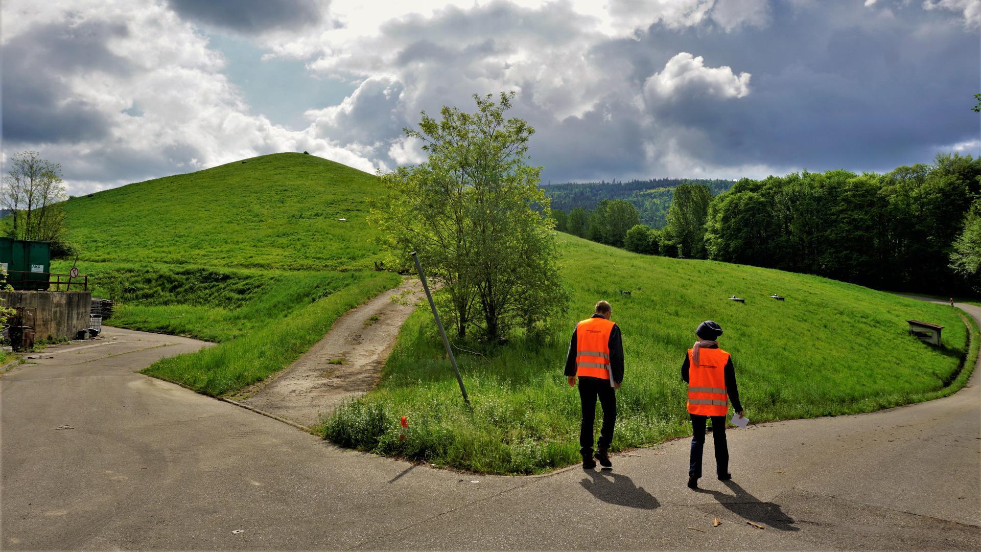 Ein Hügel.