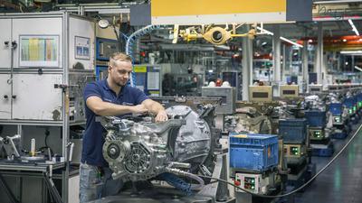 Fertigung von schweren Lkw-Getrieben im Mercedes-Benz Werk Gaggenau (Werkteil Rastatt)