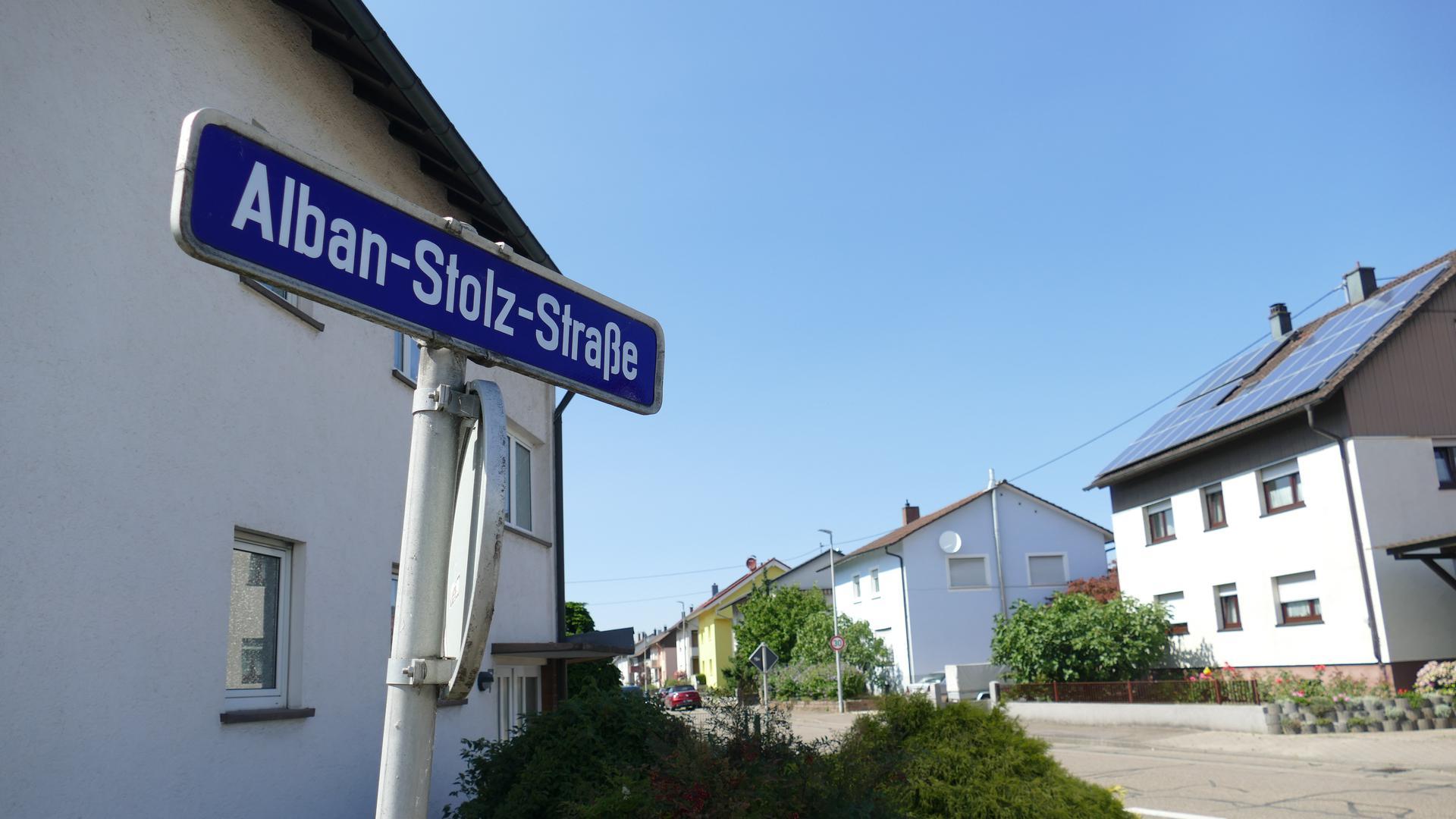 Diskussionen in Bühl, Gelassenheit in Gaggenau: Die Alban-Stolz-Straße bewegt die Gemüter in der Murgtal-Kommune kaum. In Bühl soll eine gleichnamige Straße wegen antisemitischer Werke des katholischen Theologen umbenannt werden.