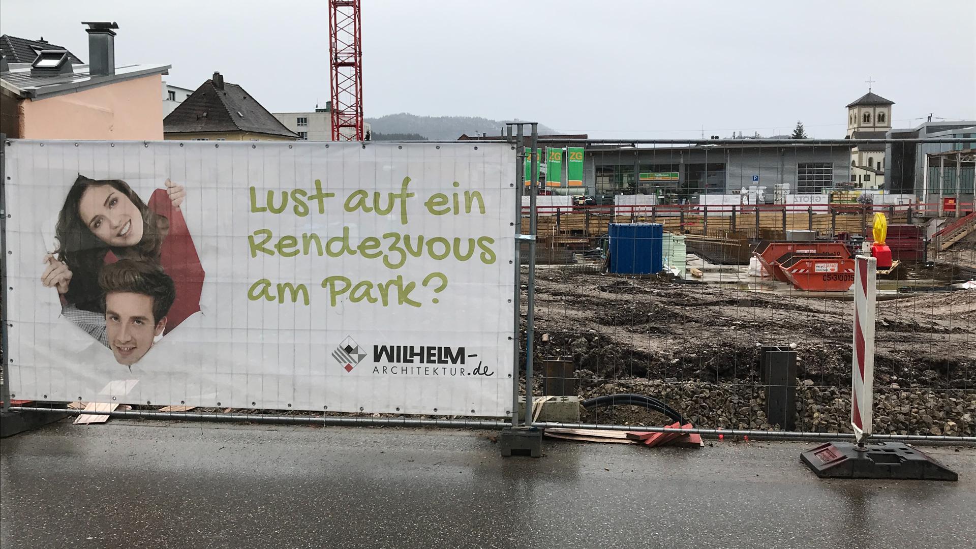 """Baustelle mit Plakat """"Lust auf ein Rendezvous..."""""""