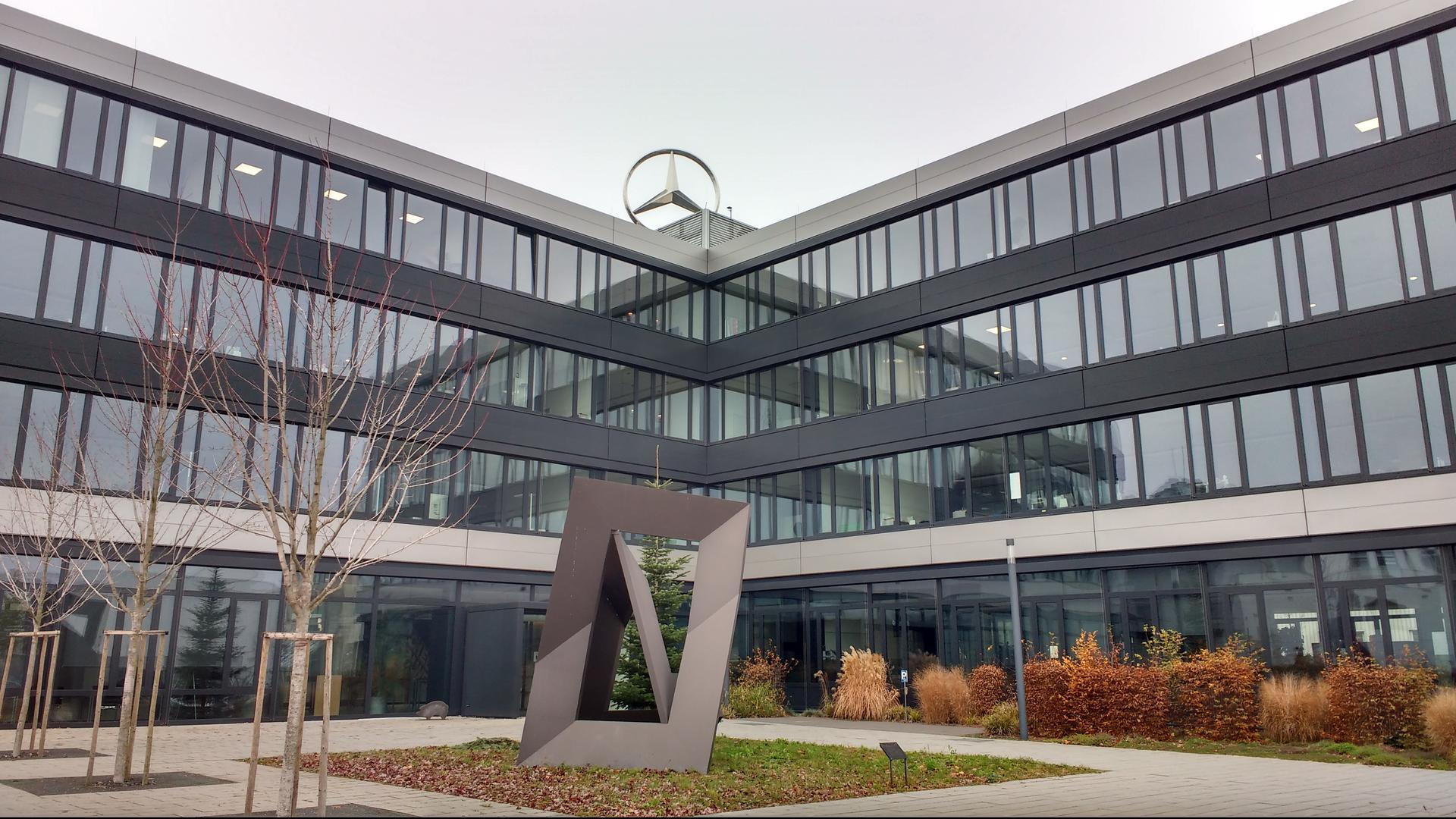 Zeit des Umbruchs: Die Veränderungen in der Automobilbranche und die Abspaltung der Daimler Truck AG betreffen auch das Mercedes-Benz-Werk in Gaggenau.