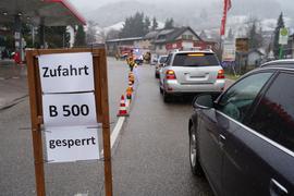 Schild Zufahrt B500 gesperrt