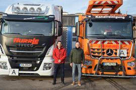 Ingo und Ferdinand Hurrle aus Gaggenau mit einem CNG-Erdgasfahrzeug und einem Diesel-Truck.