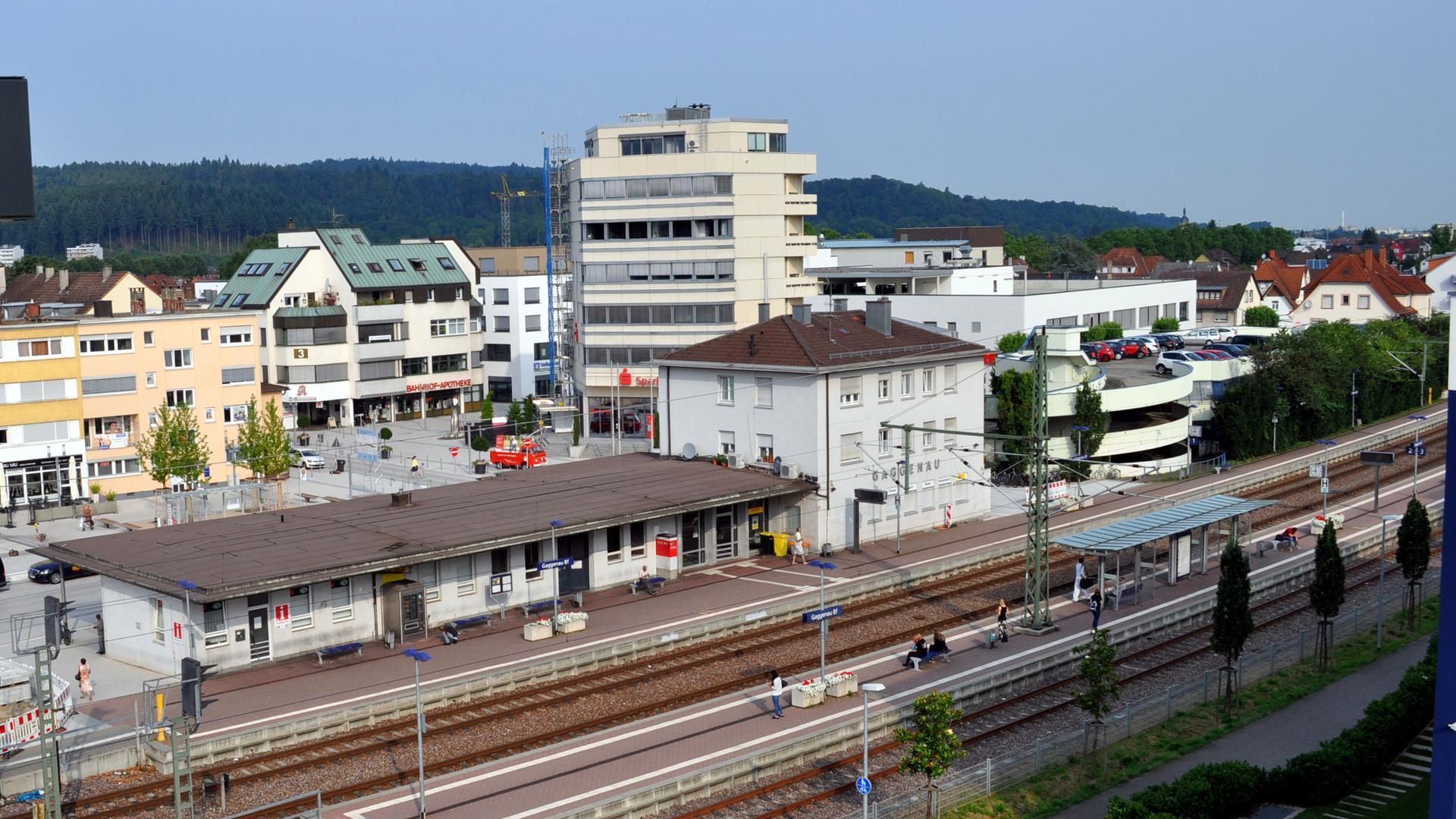 Ansicht Gaggenau Bahnhof mit Sparkasse (Hochhaus) 2018
